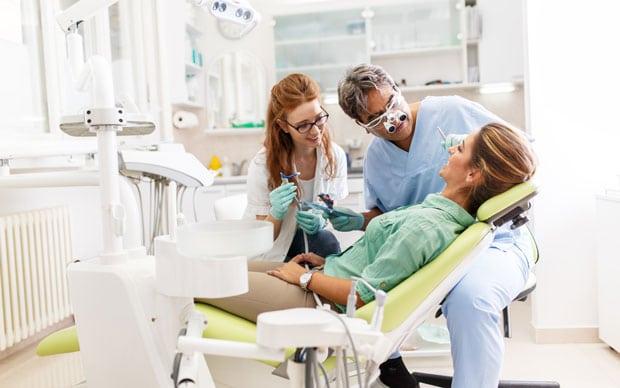 классическая имплантация зубов показания и противопоказания